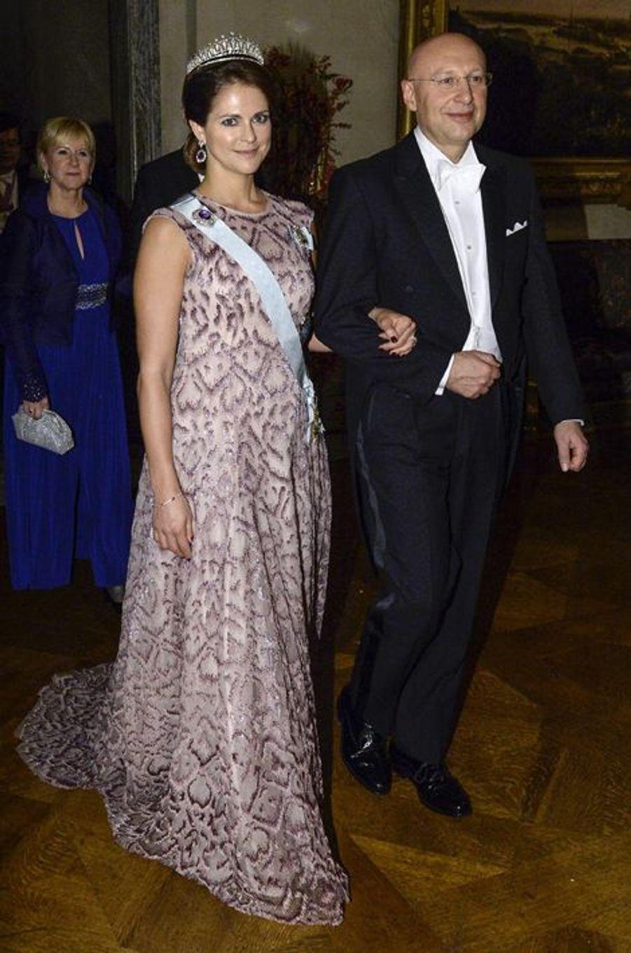La princesse Madeleine de Suède au banquet des prix Nobel à Stockholm, le 10 décembre 2014