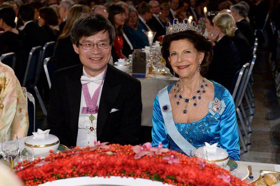 La reine Silvia de Suède au banquet des prix Nobel à Stockholm, le 10 décembre 2014