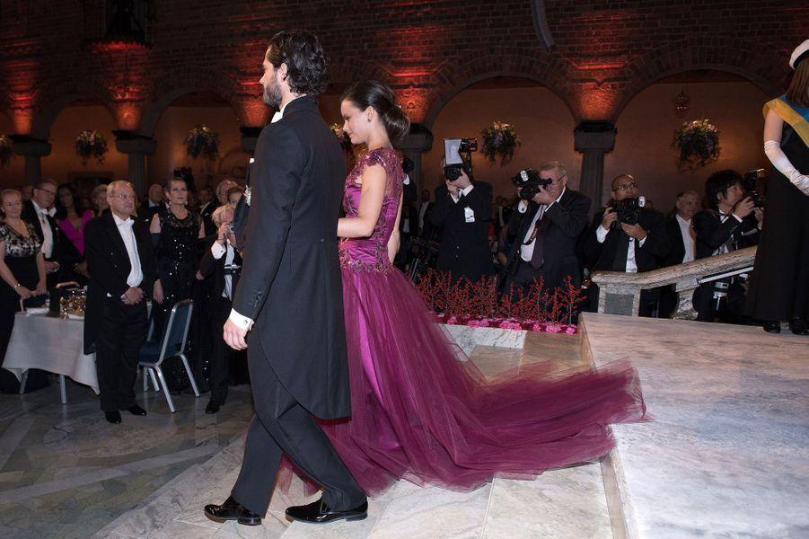 Sofia Hellqvist et le prince Carl Philip de Suède au banquet des prix Nobel à Stockholm, le 10 décembre 2014