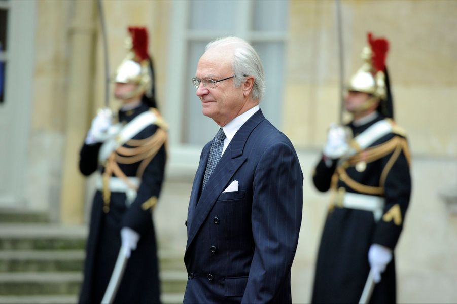 Carl XVI Gustaf à Paris, un second jour sans Silvia