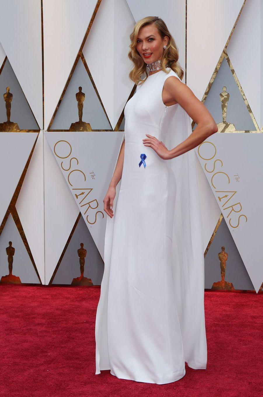 Karlie Kloss à la cérémonie des Oscars à Los Angeles le 26 février 2017