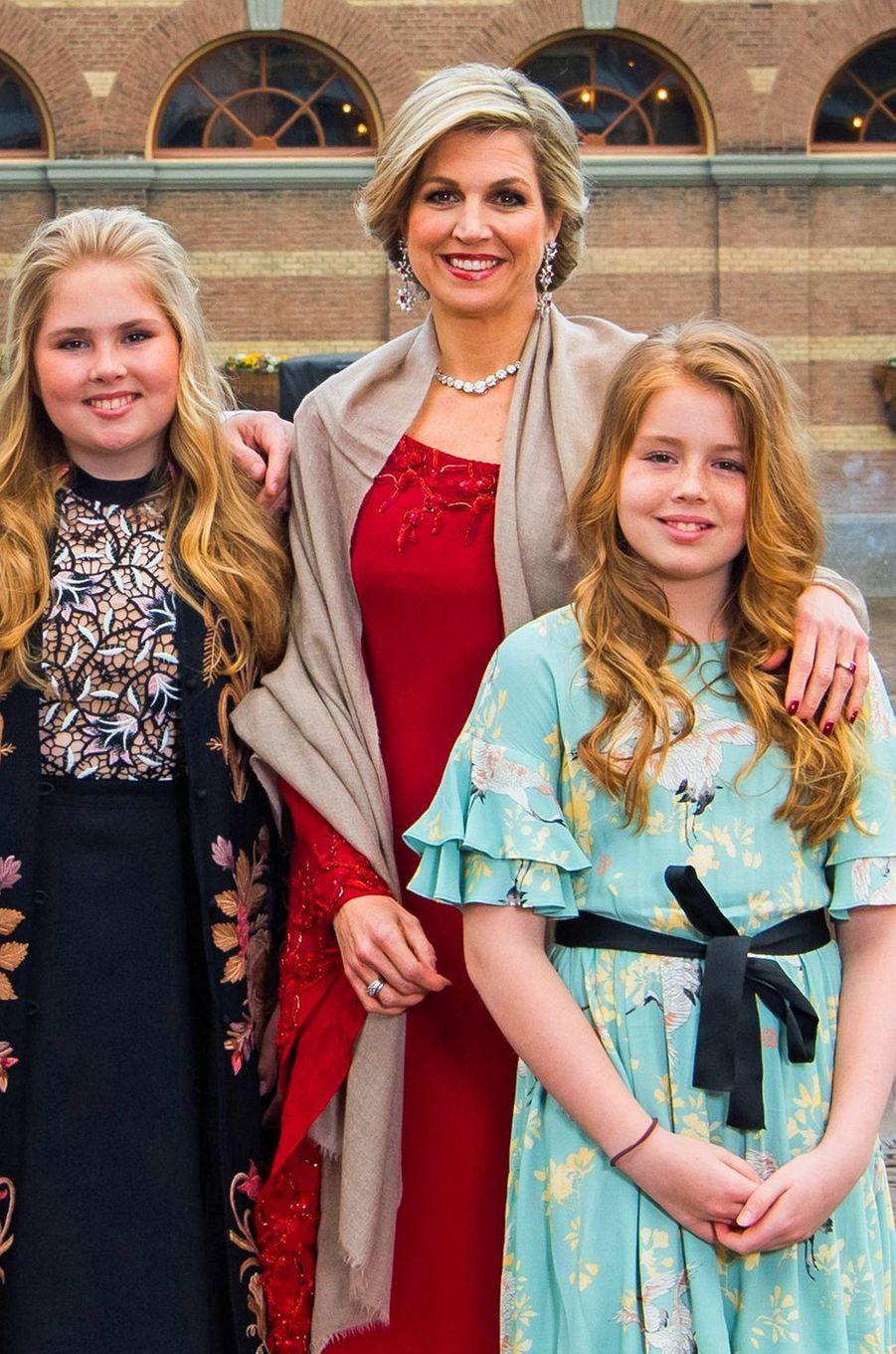 La reine Maxima des Pays-Bas et ses filles les princesses Catharina-Amalia et Alexia à La Haye, le 29 avril 2017