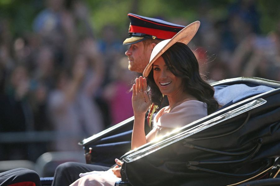 Harry et Meghan lors de la parade Trooping the Colour à Londres le 9 juin 2018