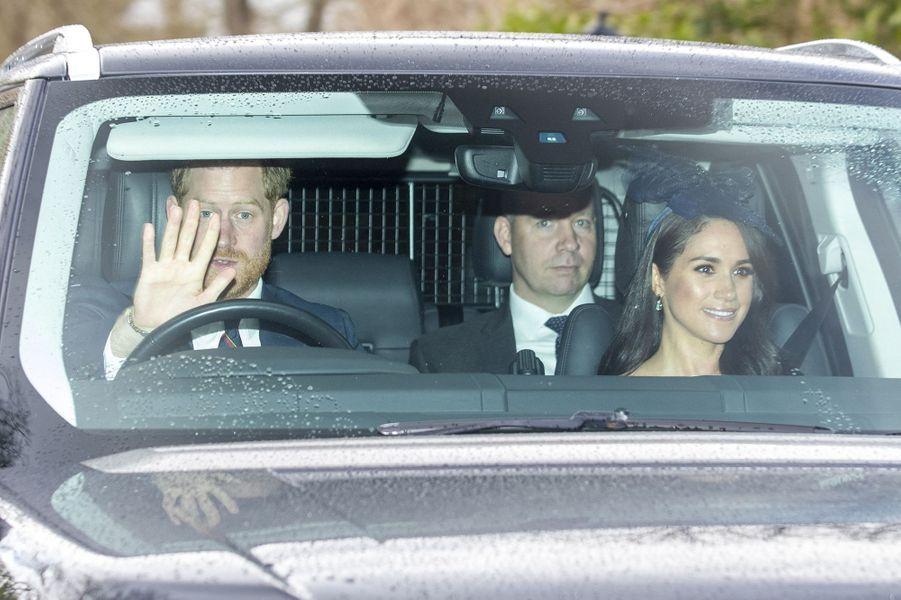 Harry et Meghan arrivent à l'église à Windsor pour assister à la messe dominicale aux côtés de la reine Elizabeth II, le 8 mars 2020