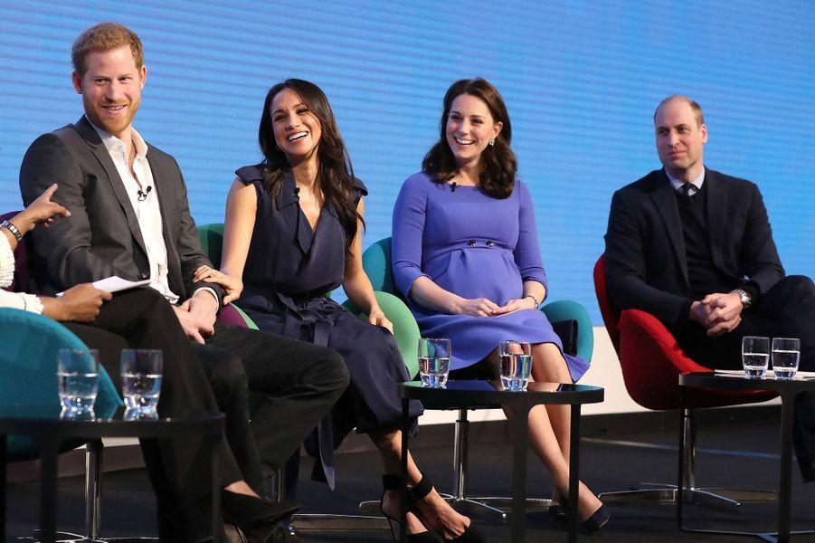 Harry, Meghan, Kate et William lors d'un forum pour la Royal Foundationà Londres le 28 février 2018
