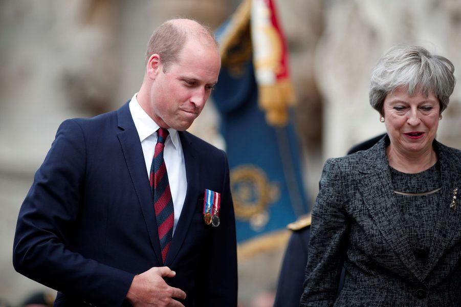 Le prince William et Theresa May à Amiens.