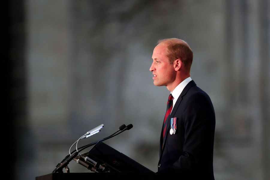 Le prince William s'exprime dans la cathédrale d'Amiens.