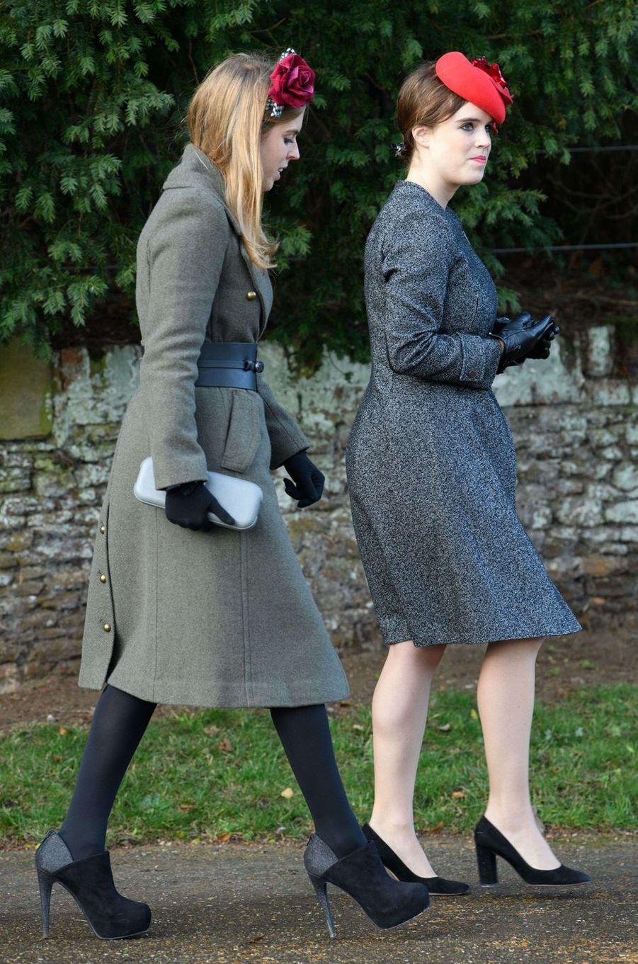 Les princesses Beatrice et Eugenie d'York à Sandringham, le 25 décembre 2016