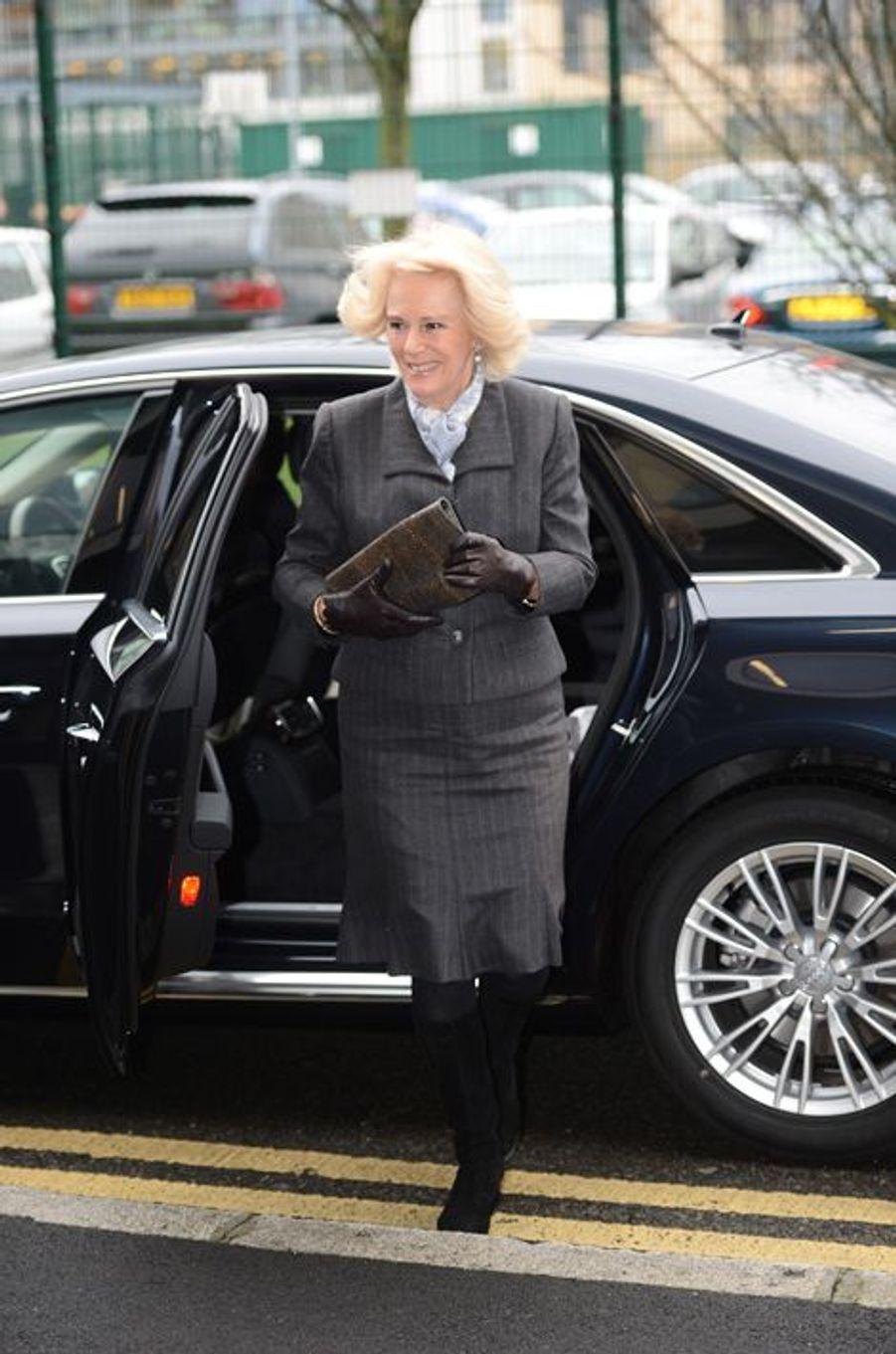 La duchesse de Cornouailles Camilla arrive au Safelives Centre à Londres, le 27 janvier 2016