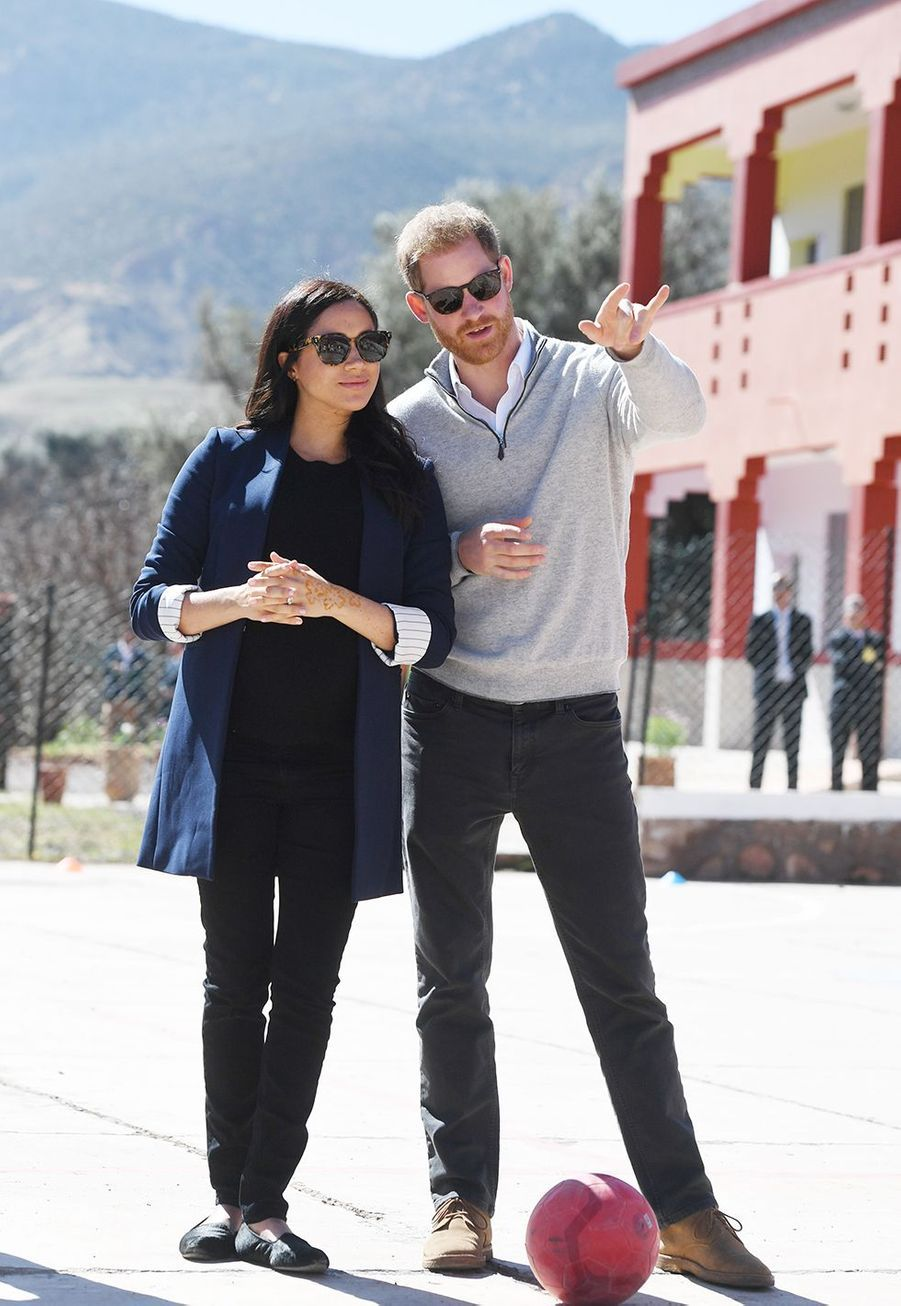 Meghan Markle et le prince Harry lors de leur visite au village Asni au Maroc le 24 février 2019