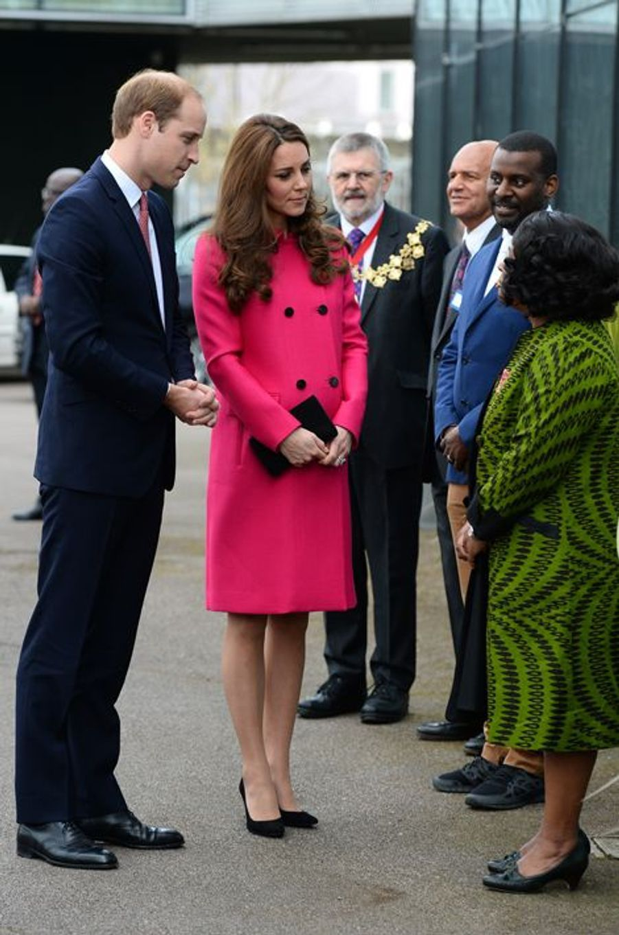 Kate née Middleton et le prince William, avec Doreen Lawrence, au Stephen Lawrence Centre à Londres, le 27 mars 2015