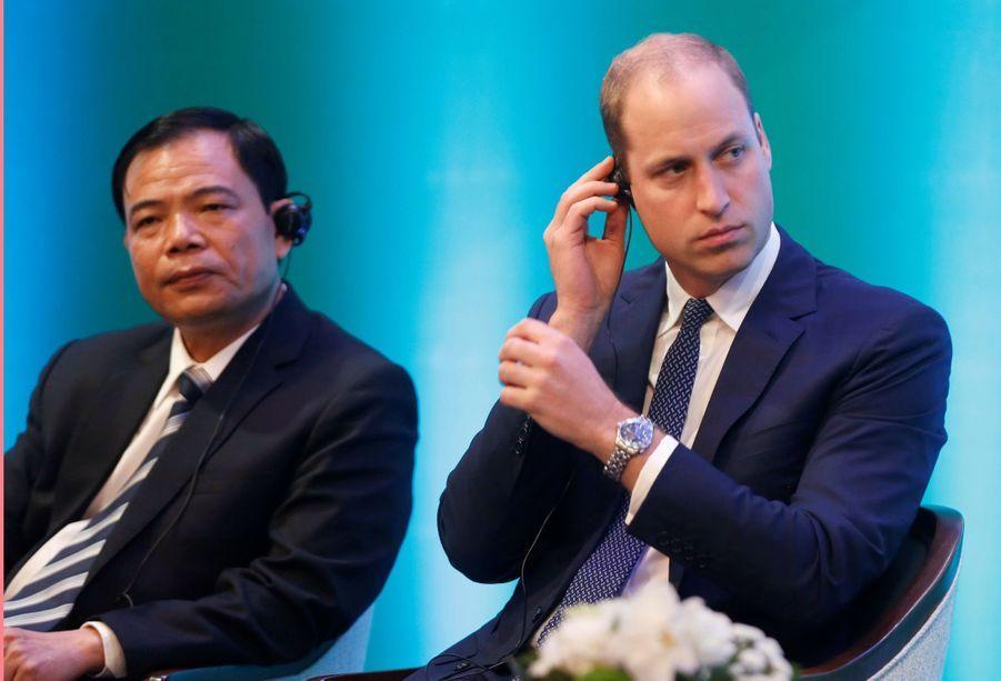 Au Vietnam, le prince William défend des animaux sauvages