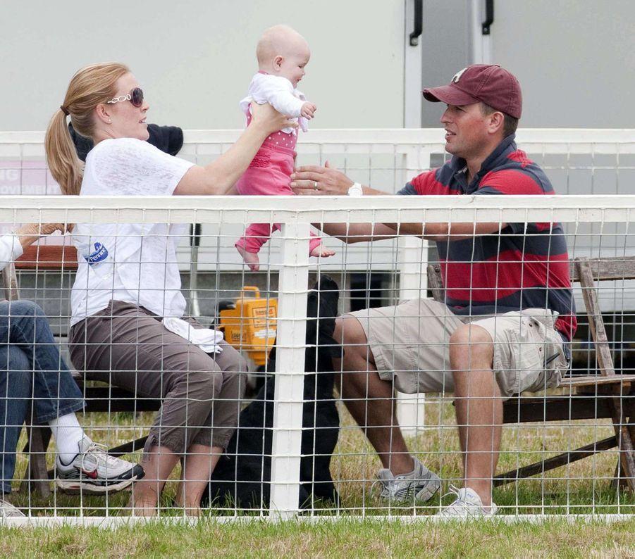 Peter et Autumn Phillips avec leur fille Savannah, le 5 août 2011