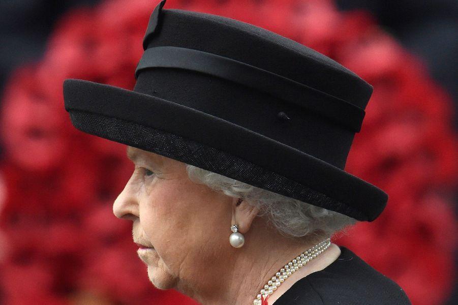 La reine Elizabeth II au Cénotaphe à Londres, le 8 novembre 2015