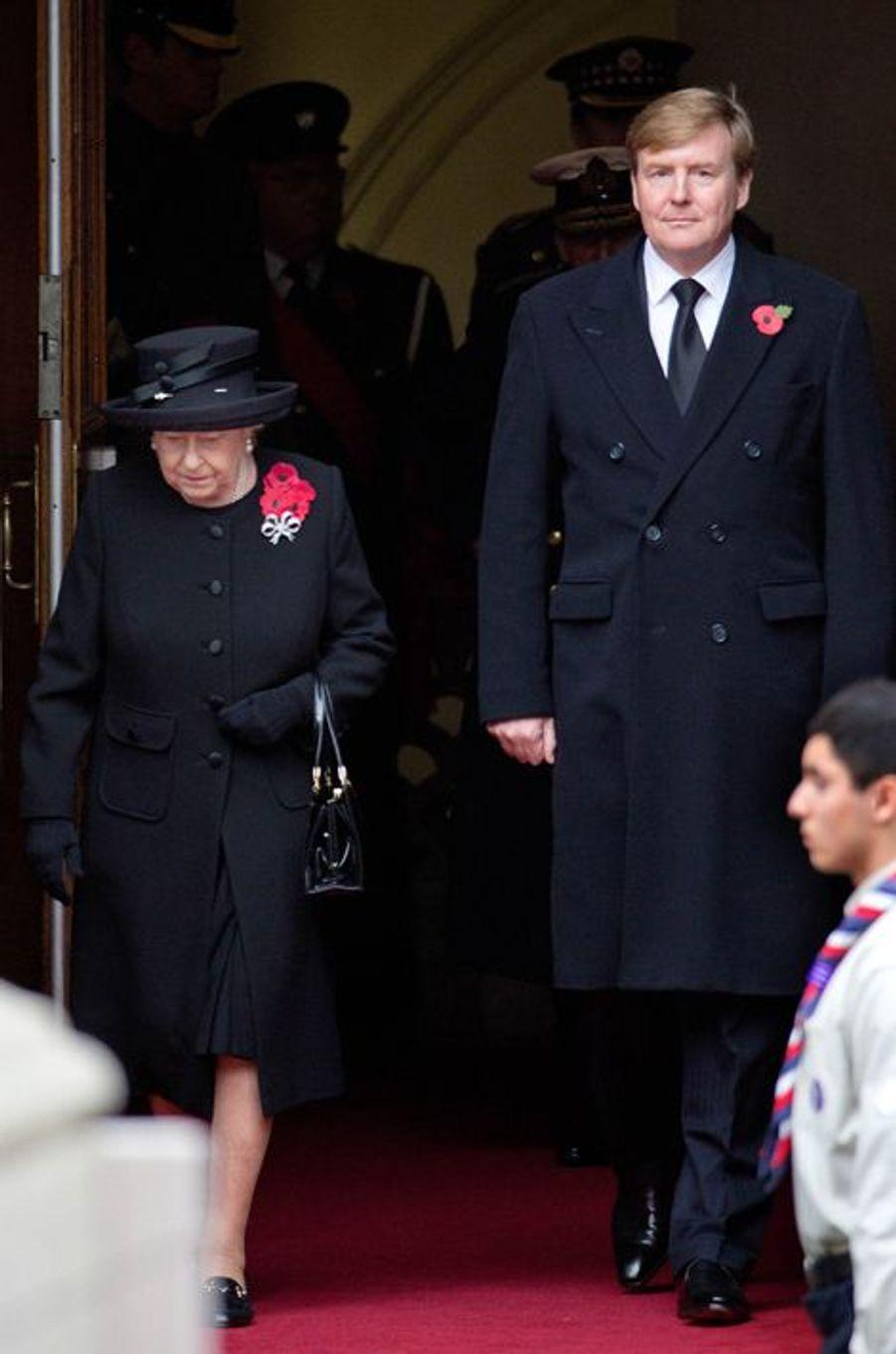 La reine Elizabeth II et le roi Willem-Alexander des Pays-Bas à Londres, le 8 novembre 2015