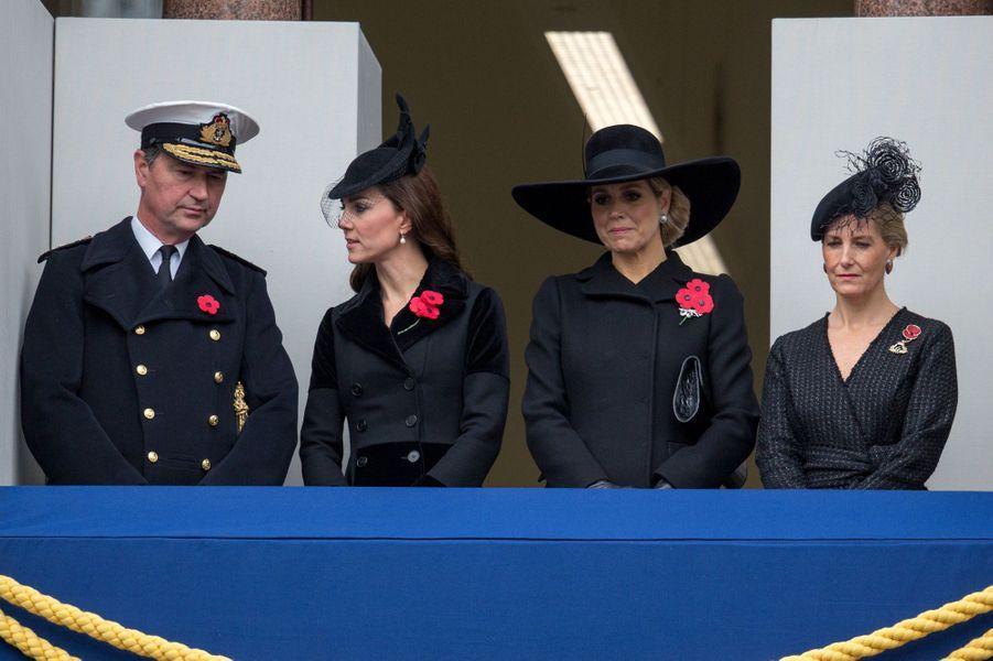 Timothy Laurence, la duchesse Kate, la reine Maxima des Pays-Bas et Sophie de Wessex à Londres, le 8 novembre 2015