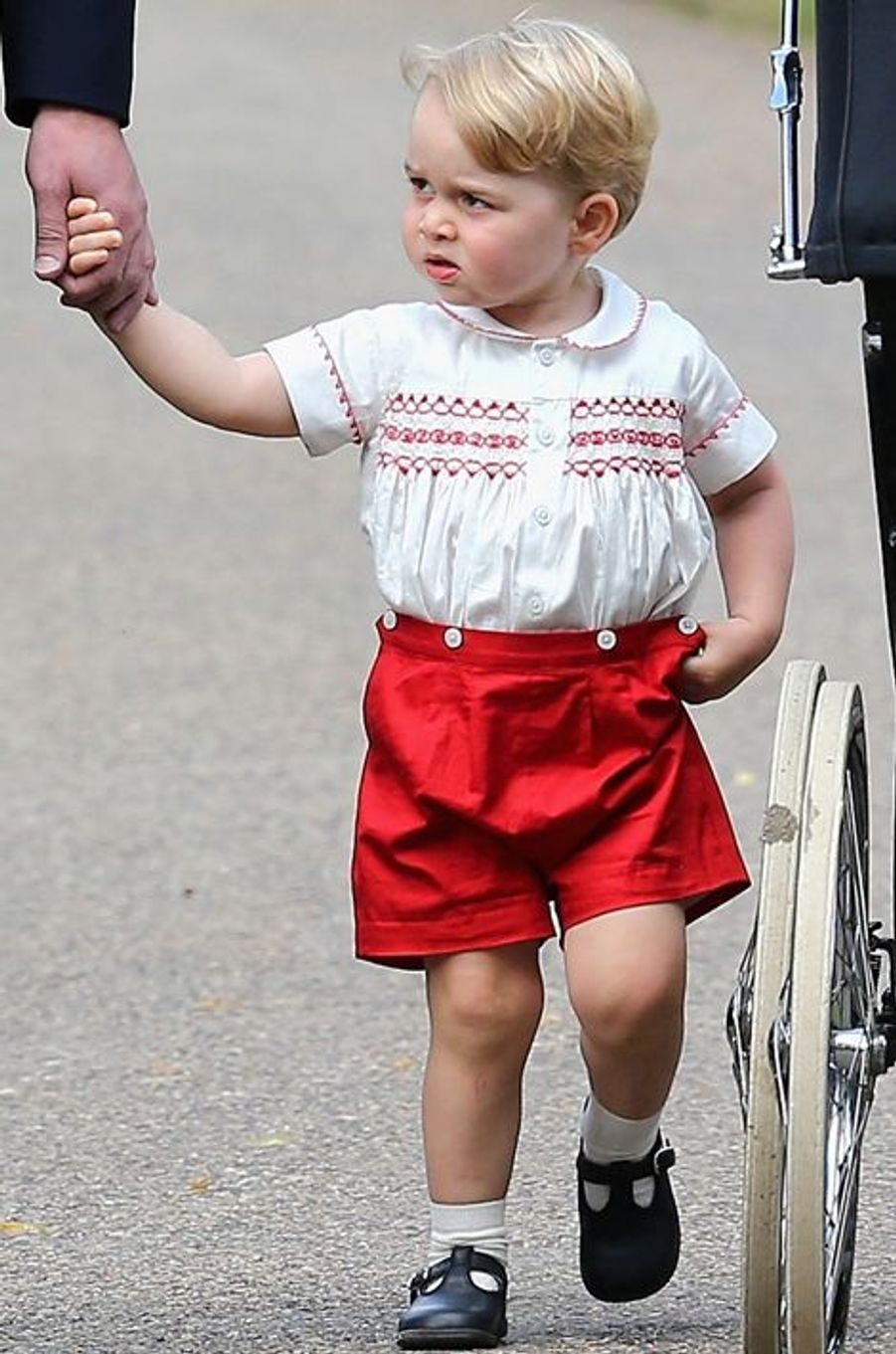 baby George au baptême de la princesse Charlotte à Sandringham, le 5 juillet 2015