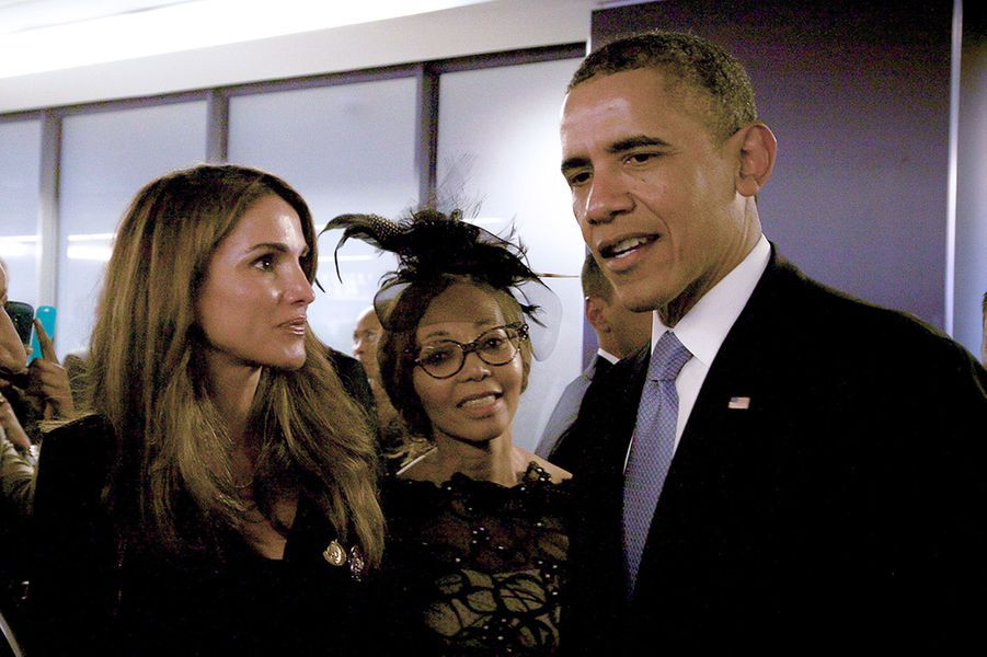 Barack Obama et la reine Rania de Jordanie aux funérailles de Nelson Mandela, en décembre 2013.