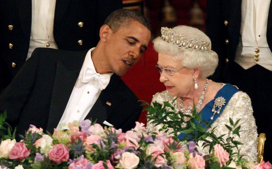 Barack Obama, Michelle, le prince Philip et la reine Elizabeth II à Buckingham en mai 2011.