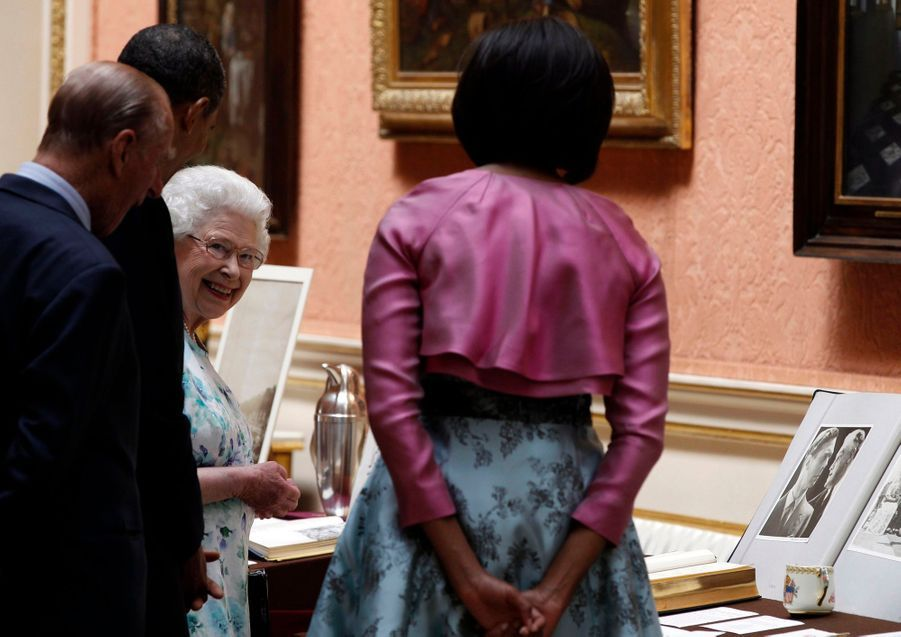Barack Obama, Michelle, le prince Philip et la reine Elizabeth II lors d'une visite de Buckingham en mai 2011.