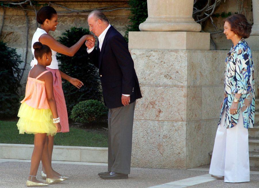 Michelle Obama et sa fille Sasha rencontrent le roi Juan Carlos d'Espagne et la reine Sofia, à Majorque en août 2010