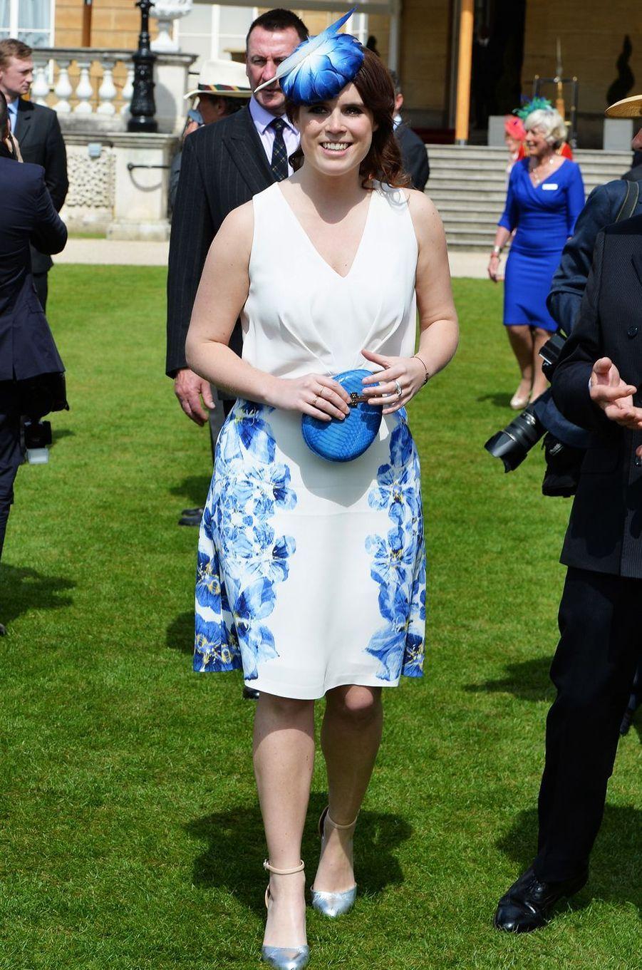 La princesse Eugenie d'York dans les jardins de Buckingham Palace, le 26 mai 2016