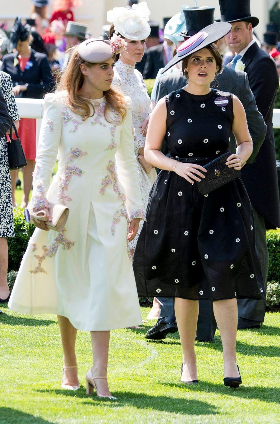 Les princesses Beatrice et Eugenie d'York à Ascot, le 20 juin 2017