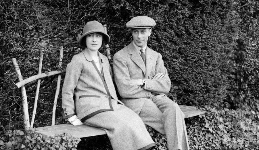En 1920, le Prince Albert devient duc d'York. Il rencontre aussi cette année-là Lady Elisabeth Bowes-Lyon qu'il épouse trois ans plus tard, à l'abbaye de Westminster.