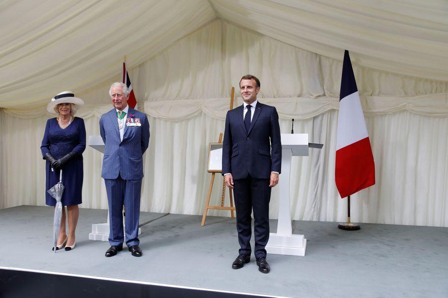La duchesse de Cornouailles Camilla, le prince Charles et Emmanuel Macron à Londres, le 18 juin 2020