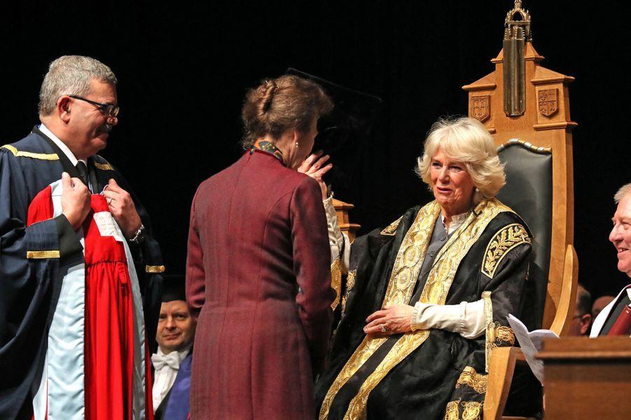 La princesse Anne et Camilla Parker-Bowles, duchesse de Cornouailles, à l'Université d'Aberdeen en Ecosse, le 14 janvier 2020