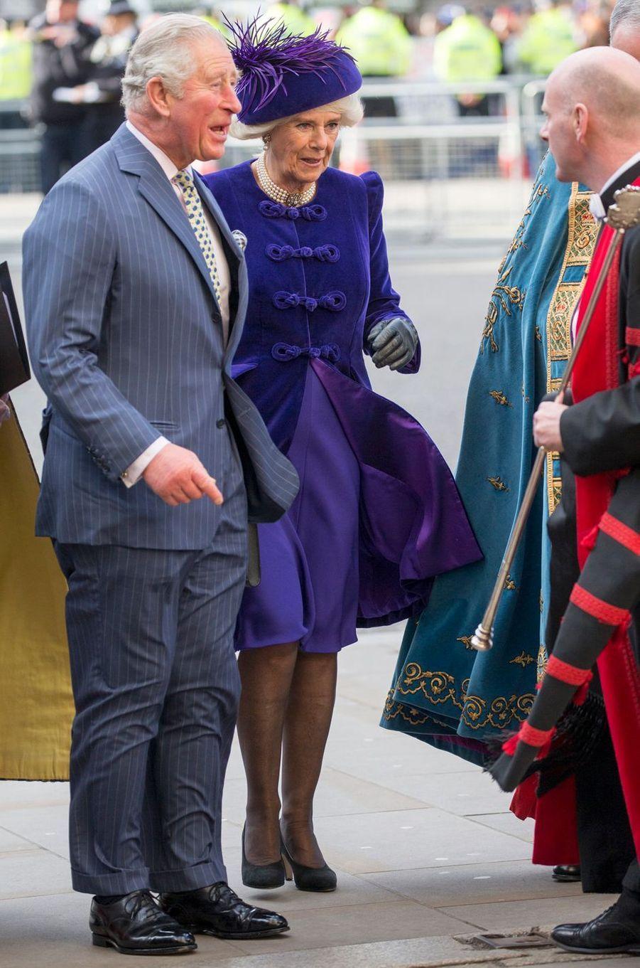 La duchesse de Cornouailles Camilla en total look violet à Londres, le 11 mars 2019