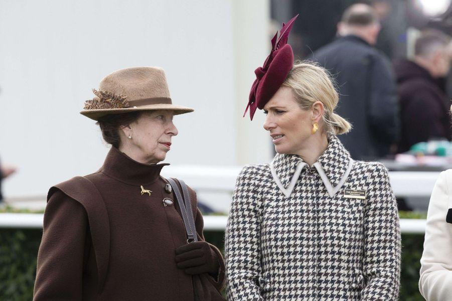 Zara Phillips et sa mère la princesse Anne au Cheltenham Festival, le 11 mars 2020