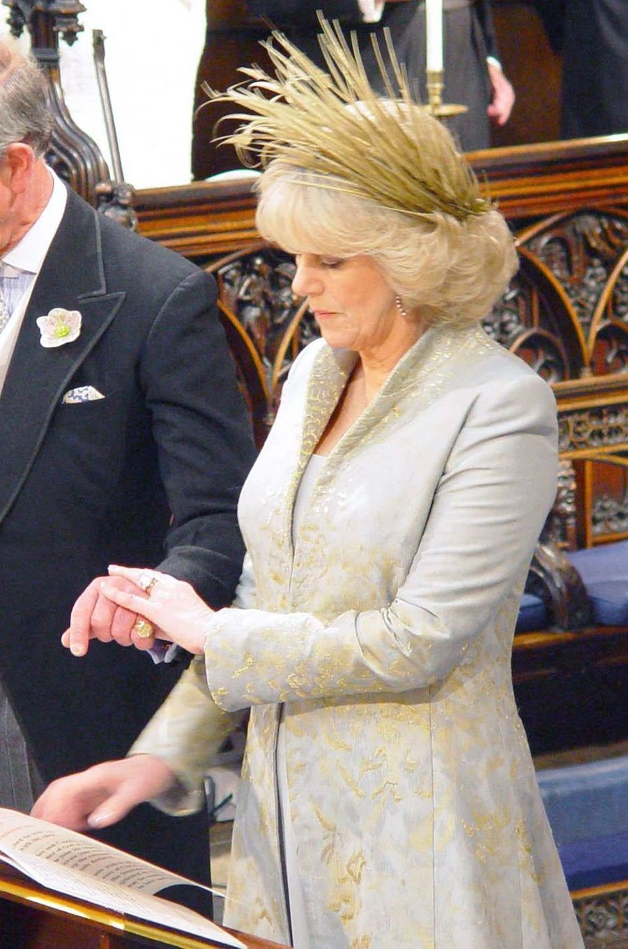Camilla Parker Bowles lors de la cérémonie religieuse de son mariage avec le prince Charles, le 9 avril 2005