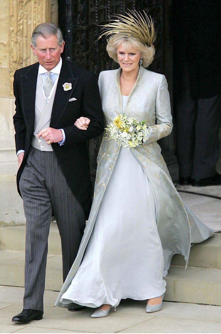 La tenue de Camilla Parker Bowles pour la cérémonie religieuse de son mariage avec le prince Charles, le 9 avril 2005