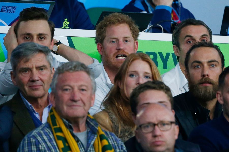 Michael et James Middleton avec le prince Harry au stade de Twickenham à Londres, le 3 octobre 2015