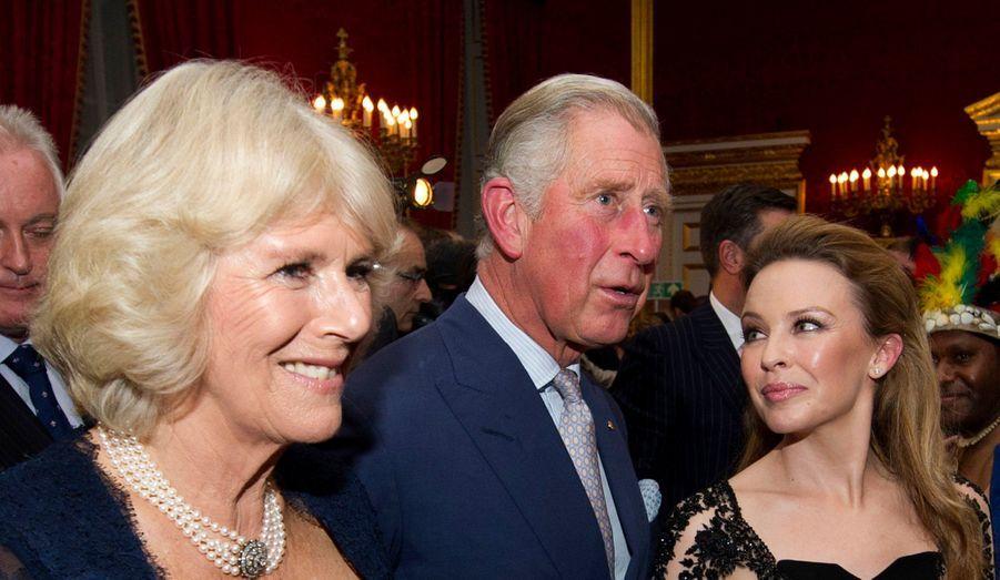 Le prince Charles et Camilla ont donné une soirée à Saint James's Palace afin de célébrer la culture océanienne. Pour l'occasion, la chanteuse pop Kylie Minogue a fait le déplacement à Londres. Le couple royal a également assisté à des représentations de danseurs venus de Papouasie Nouvelle Guinée et de Nouvelle-Zélande.