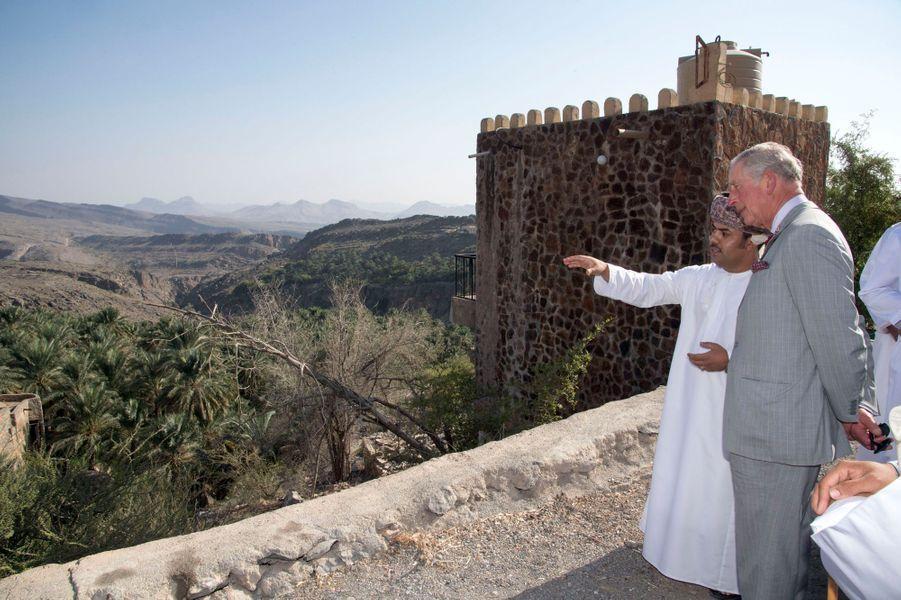 Le prince Charles dans le village de Misfat Al Abriyeen au Sultanat d'Oman, le 5 novembre 2016