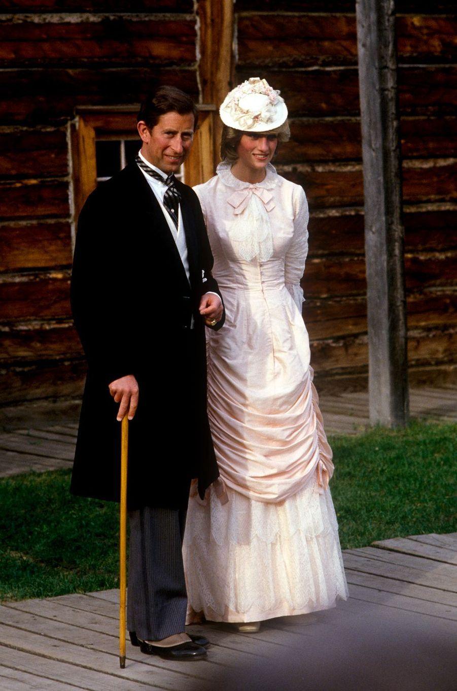 Le prince Charles avec la princesse Diana à Edmonton, le 29 juin 1983