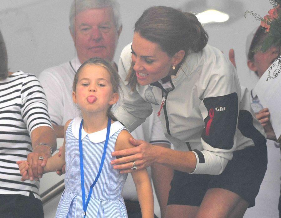 Charlotte de Cambridge et Kate Middleton à Cowes sur l'île de Wight le 8 août 2019