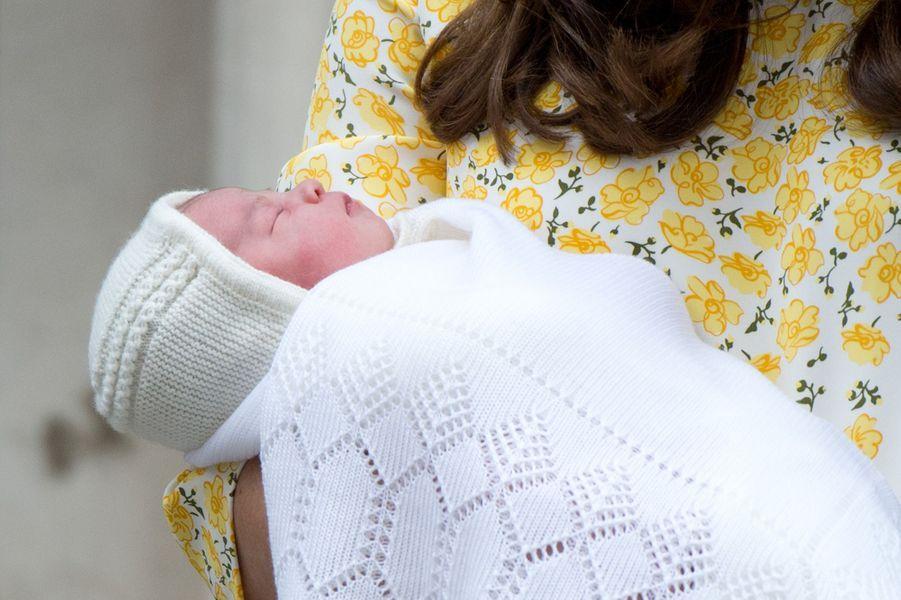 Charlotte de Cambridge, lors de sa naissance,le 5 mai 2015.