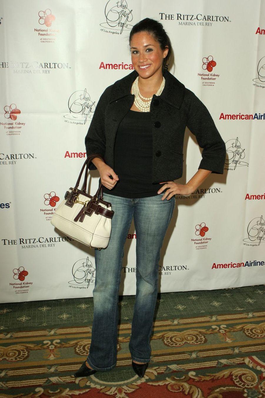 Meghan Markle en 2006lors d'un événement caritatif pour la National Kidney Foundation au Ritz-Carlton à Marina del Rey (Los Angeles).