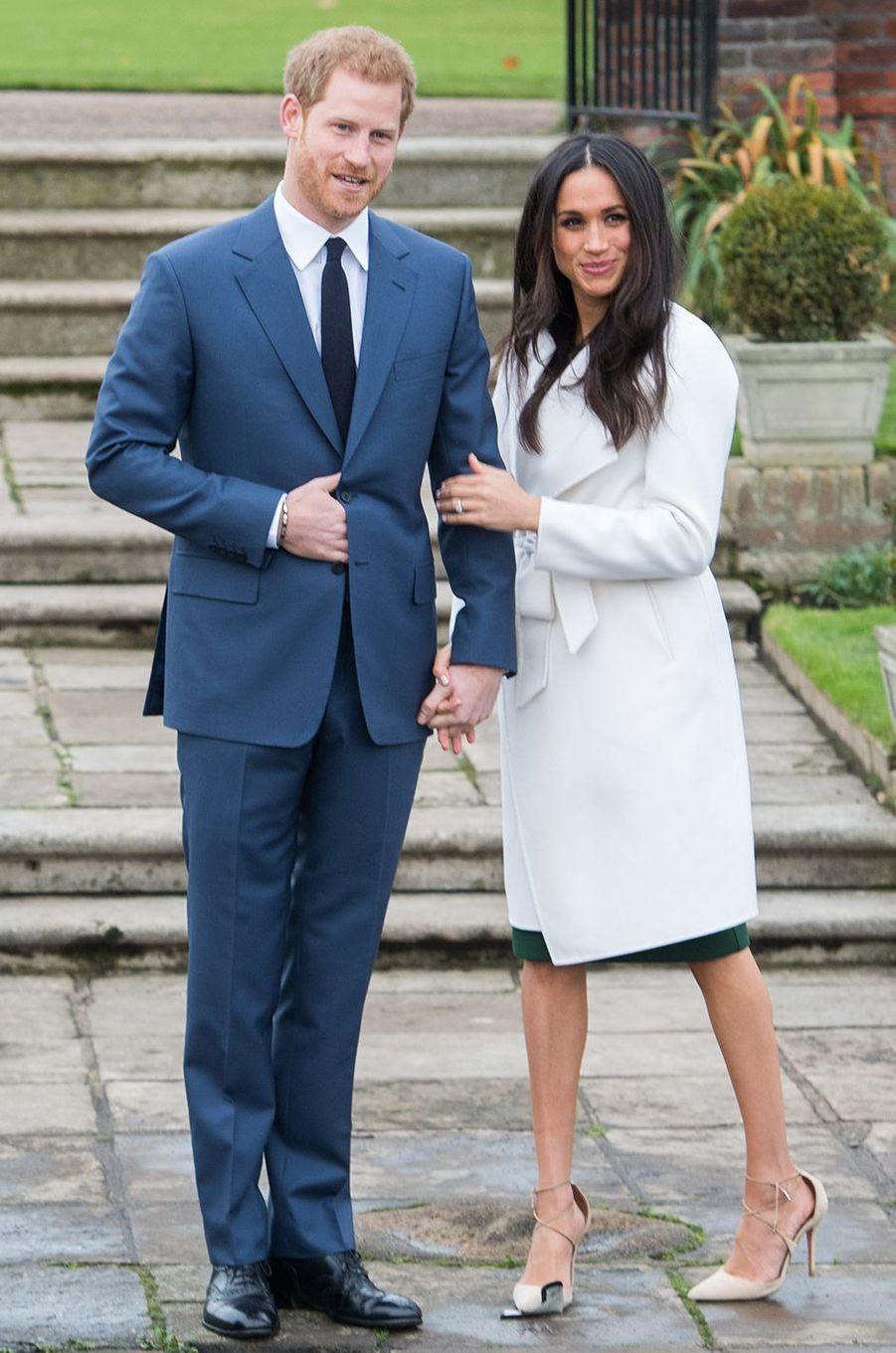 Meghan Markle avec le prince Harry lors de l'annonce de leurs fiançailles en novembre 2017