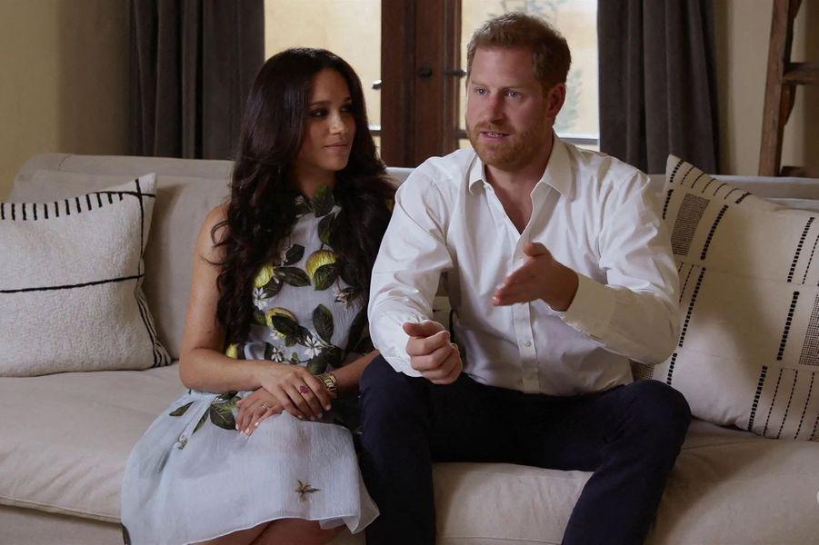 Meghan Markle avec le prince Harry dans un spot publicitaire promouvant leur podcast pour Spotify, en février 2021