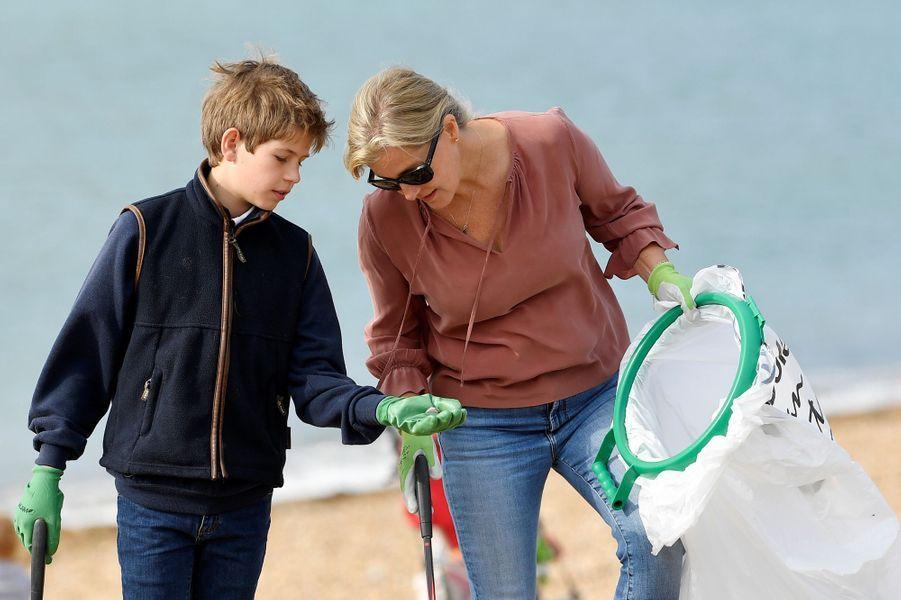 La duchesse Sophie de Wessex avec son fils James à Southsea, le 18 septembre 2020