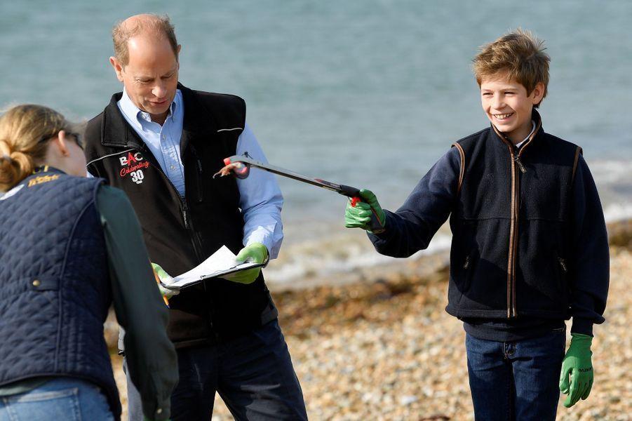 Le prince Edward avec ses enfants Louise et James à Southsea, le 18 septembre 2020