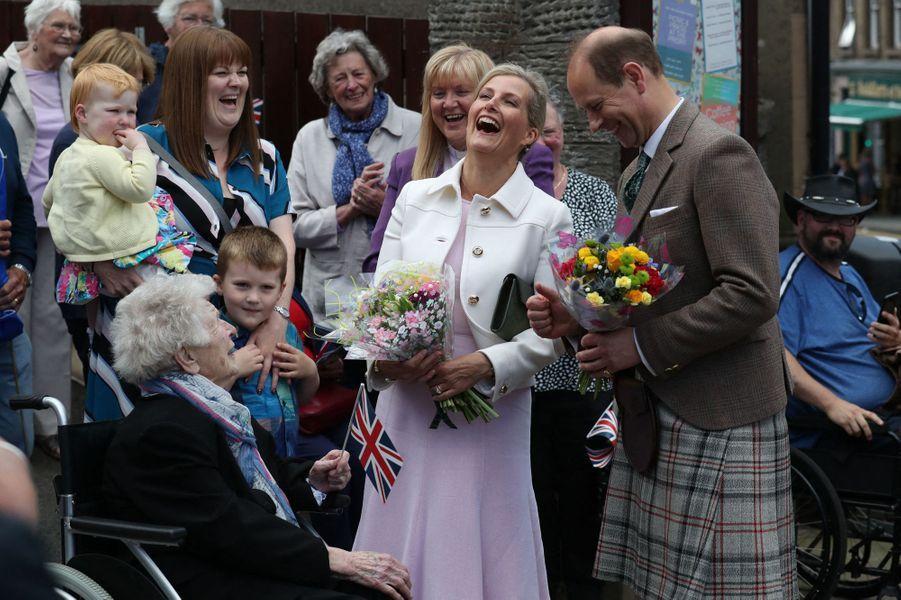 La comtesse Sophie de Wessex et le prince Edward dans leur comté de Forfar, le 1er juillet 2019