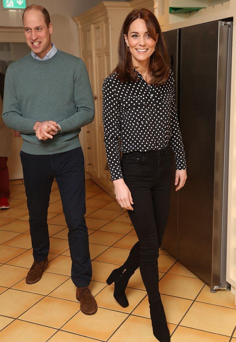 Kate Middleton et le prince Williamse rendent à la Savannah House, une maison gérée par une organisation de bienfaisanceà Dublin le 4 mars 2020.