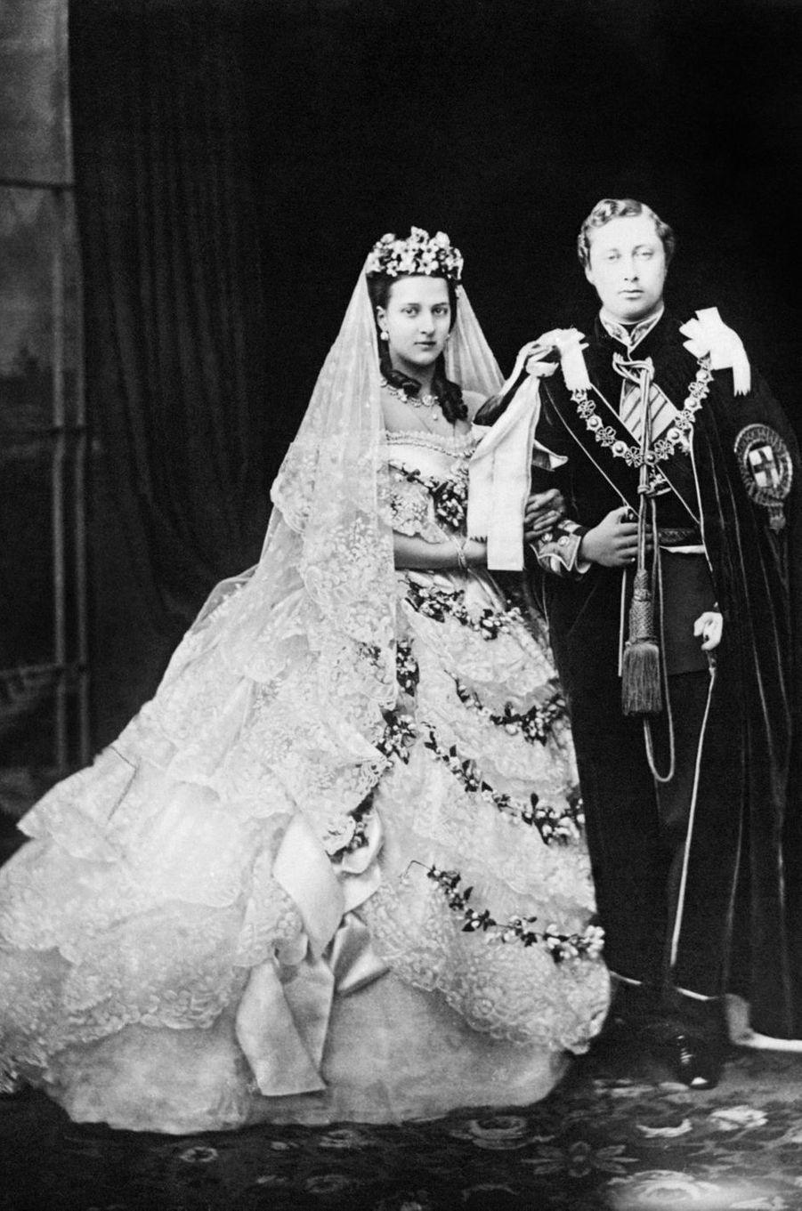 Le prince Albert (fils de la reine Victoria, futur roi Edward VII) et la princesse Alexandra de Danemark, le 10 mars 1863