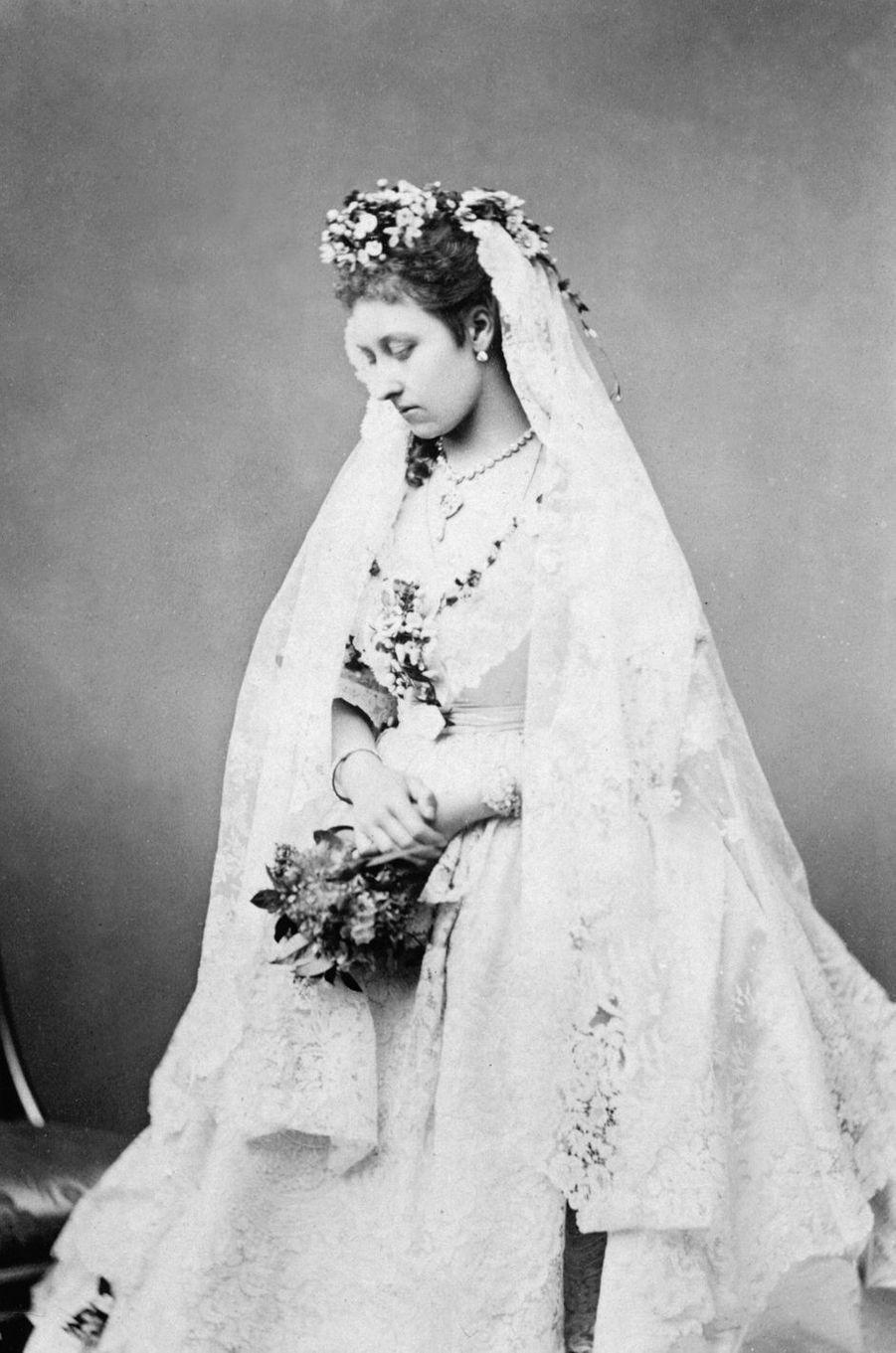 La princesse Louise (fille de la reine Victoria) qui épouse John Campbell, le 21 mars 1871