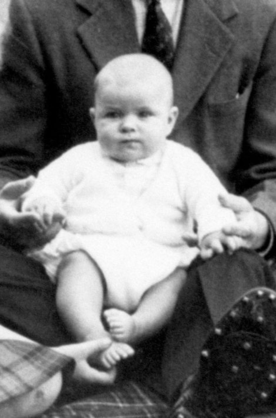 Le prince Andrew à 6 mois et demi, le 8 septembre 1960